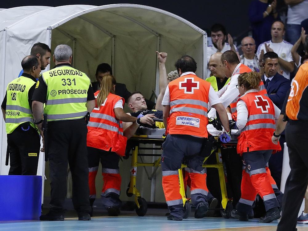 Thomasz Gielo abandonó el partido en camilla | ACB Photo -A. Martinez